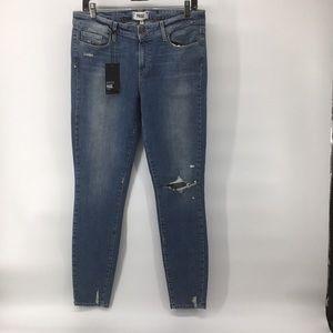 NWT Paige Premium Denim Verdugo Skinny Jeans —30